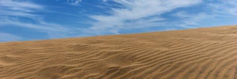 Άμμος αμμόλοφων ερήμων σε Maspalomas Στοκ Φωτογραφία