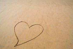 άμμος καρδιών παραλιών Στοκ φωτογραφίες με δικαίωμα ελεύθερης χρήσης