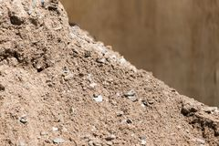 Άμμος με το αμμοχάλικο ως υπόβαθρο στοκ εικόνες με δικαίωμα ελεύθερης χρήσης