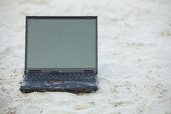 άμμος lap-top στοκ εικόνα με δικαίωμα ελεύθερης χρήσης