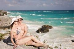Άνδρας και γυναίκα στην παραλία Στοκ Εικόνα