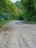 Άνεμος βρώμικος δρόμος στοκ φωτογραφία