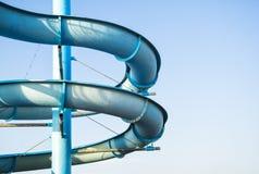 Άνεμος φωτογραφικές διαφάνειες του πάρκου aqua στο μπλε ουρανό υποβάθρου Στοκ φωτογραφία με δικαίωμα ελεύθερης χρήσης