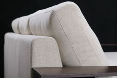 άνετος κομψός καναπές Στοκ Εικόνα