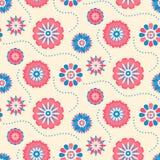 Άνευ ραφής αναδρομικό σχέδιο των διαφορετικών χρωματισμένων θερινών λουλουδιών Στοκ εικόνα με δικαίωμα ελεύθερης χρήσης