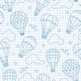 Άνευ ραφής απεικόνιση με τα μπαλόνια, τα σύννεφα, τα πουλιά και τα αστέρια, μπλε εικονίδια περιγράμματος στο καθαρό φύλλο γράφω-β Στοκ Εικόνα