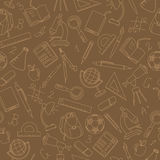 Άνευ ραφής απεικόνιση στο θέμα της αρχής του σχολικού έτους στο γυμνάσιο, μπεζ εικονίδια περιγράμματος στο καφετί υπόβαθρο Στοκ φωτογραφίες με δικαίωμα ελεύθερης χρήσης