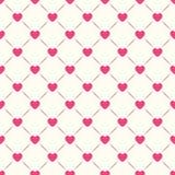 Άνευ ραφής γεωμετρικό πρότυπο με τις καρδιές Στοκ Εικόνες