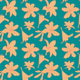 Άνευ ραφής εκλεκτής ποιότητας floral σχέδιο με τον πορτοκαλή κρίνο Στοκ φωτογραφία με δικαίωμα ελεύθερης χρήσης
