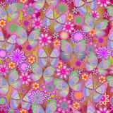Άνευ ραφής ζωηρόχρωμο σχέδιο με τις πεταλούδες και τα λουλούδια κρύβοντας διάνυσμα φιδιών εικόνων λαβυρίνθου κυνηγιού Στοκ εικόνα με δικαίωμα ελεύθερης χρήσης