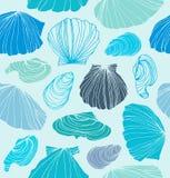 Άνευ ραφής θαλάσσιο σχέδιο με τα κοχύλια Ανοικτό μπλε γραφικό υπόβαθρο με τα θαλασσινά κοχύλια ελεύθερη απεικόνιση δικαιώματος