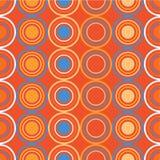 Άνευ ραφής διακοσμητικό υπόβαθρο με τους κύκλους, τα κουμπιά και τα σημεία Πόλκα Στοκ φωτογραφίες με δικαίωμα ελεύθερης χρήσης