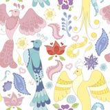 Άνευ ραφής διανυσματικό σχέδιο με τα πουλιά, τα φτερά και τα λουλούδια φαντασίας Στοκ Φωτογραφία