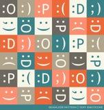 Άνευ ραφής διανυσματικό σχέδιο με τα σύμβολα κειμένων emoticons Στοκ Εικόνα