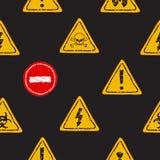 Άνευ ραφής διανυσματικό σχέδιο των κίτρινων προειδοποιητικών σημαδιών Στοκ Εικόνες