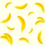 Άνευ ραφής διαφορετικό σχέδιο μπανανών μεγεθών που απομονώνεται στο ελαφρύ υπόβαθρο Στοκ Εικόνα