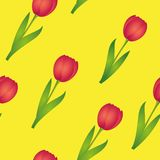 Άνευ ραφής κόκκινες τουλίπες σχεδίων στο κίτρινο σχέδιο άνοιξη υποβάθρου διανυσματική απεικόνιση