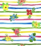Άνευ ραφής λουρίδες και λουλούδια χρώματος watercolor Στοκ εικόνα με δικαίωμα ελεύθερης χρήσης