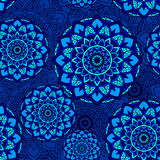 Άνευ ραφής μπλε λουλουδιών σχεδίων mandala Στοκ Φωτογραφίες