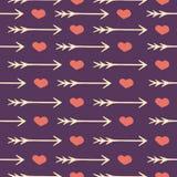 Άνευ ραφής ρομαντικά καρδιές και βέλη σχεδίων αγάπης Στοκ φωτογραφία με δικαίωμα ελεύθερης χρήσης