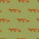Άνευ ραφής συρμένο χέρι σχέδιο με τις αλεπούδες Στοκ Φωτογραφίες
