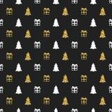 Άνευ ραφής σχέδιο έτους Χριστουγέννων νέο με το χριστουγεννιάτικο δέντρο δώρων background colors holiday red yellow Χρυσό άσπρο δ Στοκ εικόνα με δικαίωμα ελεύθερης χρήσης