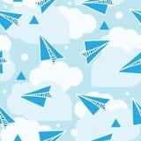 Άνευ ραφής σχέδιο αεροπλάνων εγγράφου Αφηρημένο υπόβαθρο με τα αεροπλάνα origami και τα στρογγυλά σύννεφα Μπλε χρώμα Στοκ εικόνες με δικαίωμα ελεύθερης χρήσης