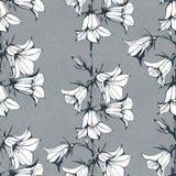 Άνευ ραφής σχέδιο λουλουδιών στο υπόβαθρο εγγράφου Συρμένο χέρι μελάνι άρρωστο ελεύθερη απεικόνιση δικαιώματος