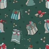 Άνευ ραφής σχέδιο με τα δώρα στο πράσινο υπόβαθρο Χριστούγεννα εύθυμα διανυσματική απεικόνιση