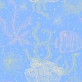Άνευ ραφής σχέδιο με τα θαλάσσια φυτά, τα φύλλα, το φύκι και τα τροπικά ψάρια Θαλάσσιες χλωρίδα και πανίδα στα χρώματα κρητιδογρα απεικόνιση αποθεμάτων