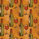Άνευ ραφής σχέδιο με τα μπουκάλια κρασιού και τα γυαλιά κρασιού Στοκ Εικόνα