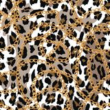 Άνευ ραφής σχέδιο με τη χρυσή αλυσίδα στο δέρμα, τη ζώνη και τα μαργαριτάρια lepard απεικόνιση διανυσματική απεικόνιση