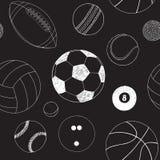 Άνευ ραφής σχέδιο με το σύνολο αθλητικών σφαιρών Συρμένο χέρι διανυσματικό σκίτσο Άσπρα αθλητικά στοιχεία στο μαύρο υπόβαθρο πρότ ελεύθερη απεικόνιση δικαιώματος