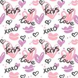 Άνευ ραφής σχέδιο με χρωματισμένα τις χέρι καρδιές, τα φιλιά και τις λέξεις  αγάπη, φιλί, xoxo ελεύθερη απεικόνιση δικαιώματος