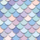 Άνευ ραφής σχέδιο ουρών γοργόνων Ζωηρόχρωμο υπόβαθρο δερμάτων ψαριών Καθιερώνοντα τη μόδα ρόδινα και πορφυρά χρώματα κρητιδογραφι Στοκ Εικόνες