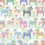 Άνευ ραφής σχέδιο συμμετρίας κρητιδογραφιών αλόγων Dala ελεύθερη απεικόνιση δικαιώματος