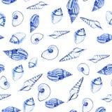Άνευ ραφής σχέδιο των κοχυλιών θάλασσας στο άσπρο υπόβαθρο Χειρωνακτική γραφική παράσταση Σχέδιο για τα υπόβαθρα, τις ταπετσαρίες στοκ φωτογραφία με δικαίωμα ελεύθερης χρήσης