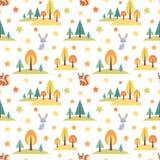Άνευ ραφής σχέδιο φθινοπώρου με τα χαριτωμένα δασικά ζώα Στοκ Εικόνες