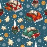 Άνευ ραφής σχέδιο Χριστουγέννων με τα φλυτζάνια, τα καλύμματα και τα εορταστικά κέικ ελεύθερη απεικόνιση δικαιώματος