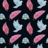 Άνευ ραφής σχέδιο Watercolor με τα περιστέρια, τα φτερά, τα λουλούδια και τα πουλιά στοκ εικόνες με δικαίωμα ελεύθερης χρήσης