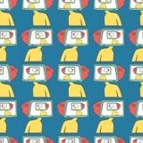 Άνευ ραφής σχέδιο άτομα κινούμενων σχεδίων με μια TV αντί ενός κεφαλιού 'brainstorming' Στοκ Εικόνα