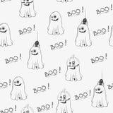 Άνευ ραφής σχέδιο αποκριών με τα χαριτωμένα φαντάσματα και το κείμενο Boo Συρμένη χέρι διανυσματική απεικόνιση Στοκ Εικόνα