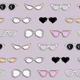 Άνευ ραφής σχέδιο, γυαλιά ηλίου μόδας γυναικών Στοκ φωτογραφία με δικαίωμα ελεύθερης χρήσης