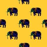 Άνευ ραφής σχέδιο ενός ελέφαντα τρεξίματος Στοκ εικόνες με δικαίωμα ελεύθερης χρήσης