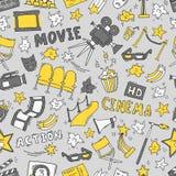 Άνευ ραφής σχέδιο κινηματογράφων με συρμένα τα χέρι στοιχεία Στοκ Φωτογραφία