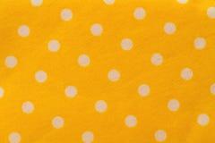 Άνευ ραφής σχέδιο με τα μεγάλα άσπρα σημεία Πόλκα σε μια ηλιόλουστη κίτρινη χρήση στοκ φωτογραφίες με δικαίωμα ελεύθερης χρήσης