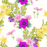 Άνευ ραφής σχέδιο με τα λουλούδια παπαρουνών, daffodils, anemones, βιολέτα Στοκ Εικόνα