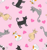 Άνευ ραφής σχέδιο με τις γάτες αγάπης Ελεύθερη απεικόνιση δικαιώματος