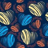 Άνευ ραφής σχέδιο με τις ριγωτές καρδιές και τις μπούκλες Στοκ Εικόνες