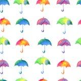 Άνευ ραφής σχέδιο με τις φρέσκες φωτεινές ομπρέλες watercolor διανυσματική απεικόνιση